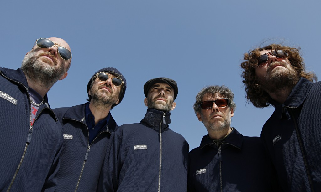 Super Furry Animals, feature
